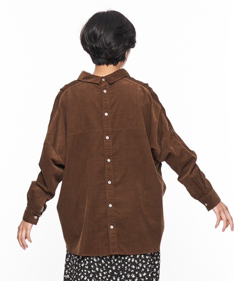 背後開扣燈芯絨襯衫